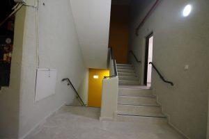 עיצוב פנים מדרגות   אדריכלות לחדר מדרגות - חדר מדרגות במשרדים